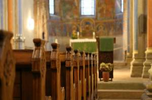 """A mers să se roage, dar e şocant cum l-au descoperit lângă mănăstire:  """"A avut o moarte binecuvântată"""""""