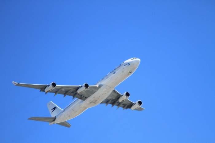 10 lucruri bizare care se întâmplă cu corpul tău în timp ce eşti în avion. La numărul 2 sigur nu te-ai fi aşteptat