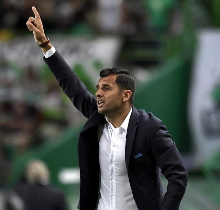 """Nicolae Dică a """"pregătit"""" meciul cu Sporting Lisabona la o petrecere de pomină! Cosmin Olăroiu a fost de faţă! / VIDEO PAPARAZZI"""