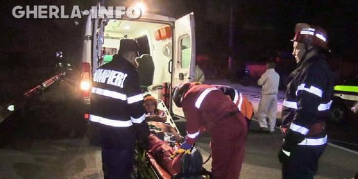 VIDEO / Stare de urgență pe șoseaua de centură din Gherla! Trei tineri sunt în comă, iar un bărbat a murit