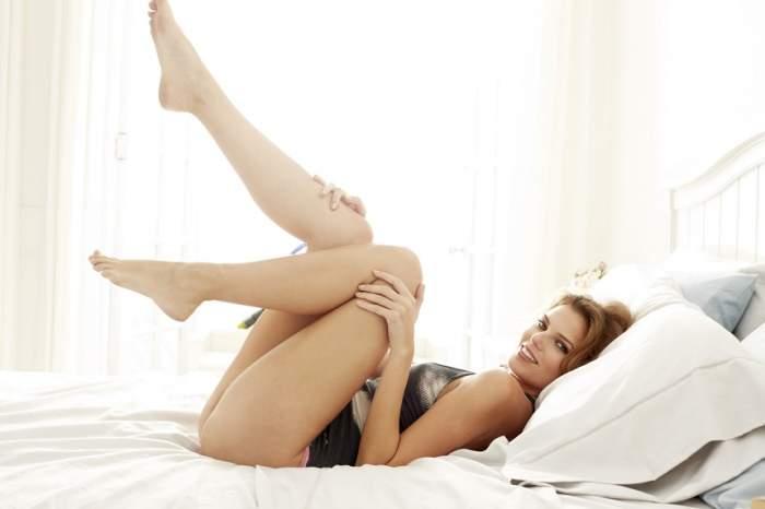 Bărbații nu le pot rezista! Șase obiceiuri ale femeilor după care sexul masculin se topește
