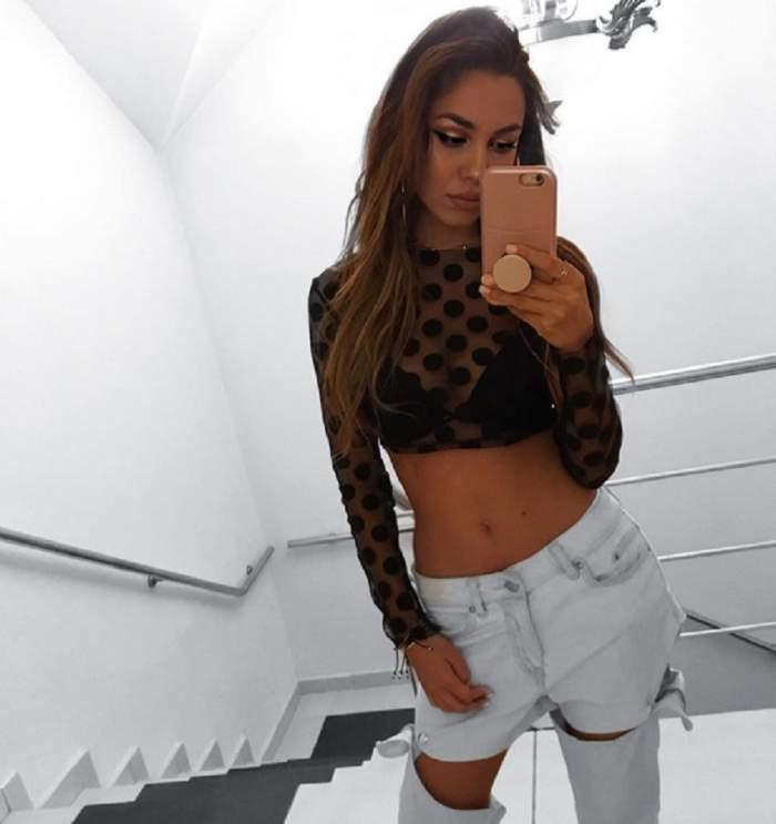 """VIDEO / O cântăreaţă de la noi, selfie cu sânii la vedere! Ipostaza în care s-a pozat: """"Semeni cu Alina Eremia"""""""