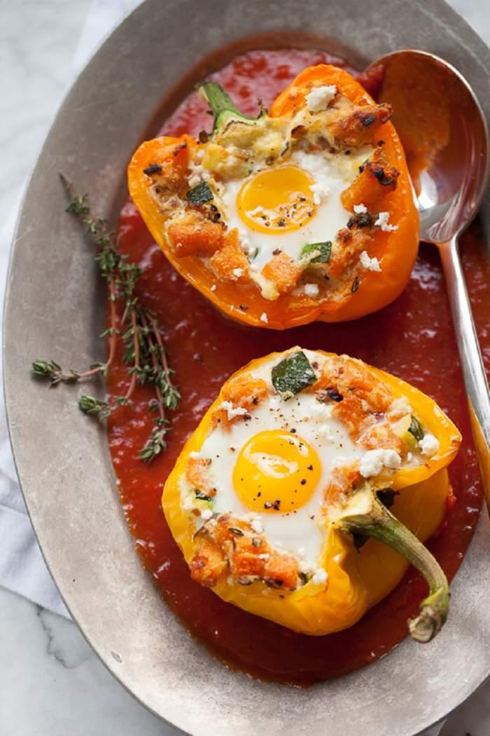Un mic dejun altfel! Ardei cu dovleac şi ouă