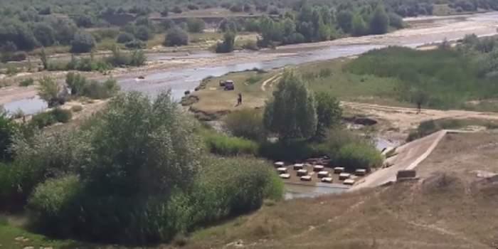 CUTREMURĂTOR! A murit în timp ce încerca să se răcorească în apa râului Buzău