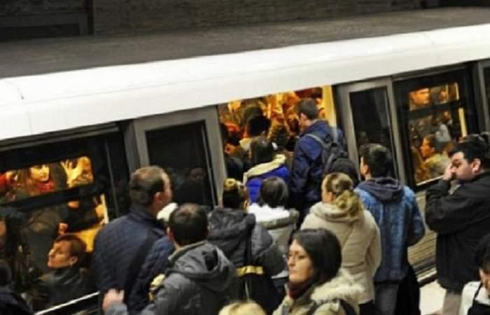 Momente de panică la metrou, în București. Călătorii, blocați între staţii