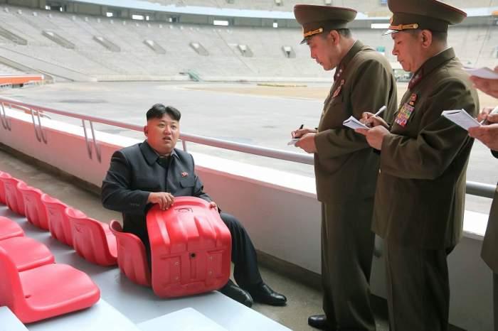 ULUITOR! Cu ce echipă de fotbal ţine dictatorul Kim Jong-un