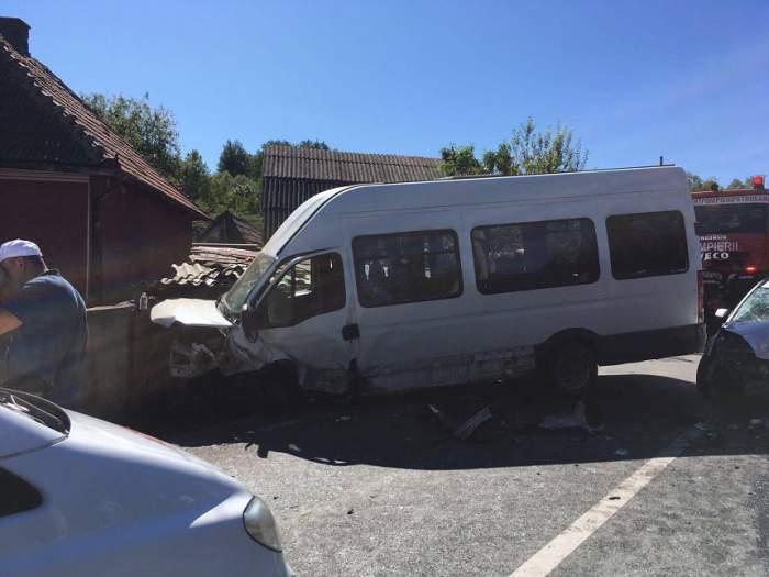 UPDATE! Accident grav în Hunedoara! 13 persoane au ajuns de urgență la spital. Autoritățile au activat planul roșu de intervenție