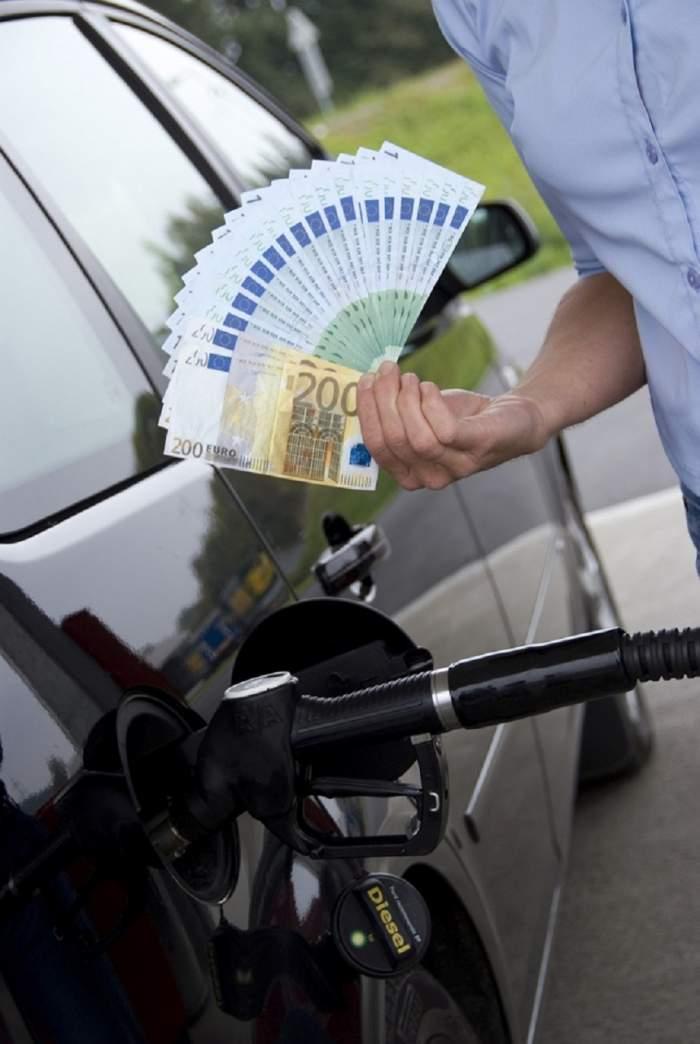 Veşti proaste pentru şoferi! Intră în vigoare acciza majorată la benzină! De când vor plăti mai mult pentru un plin la maşină