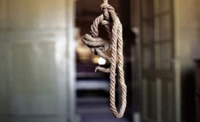 Un tată şi un fiu din Botoşani s-au sinucis în aceeaşi zi, la distanţă de câteva ore! E cumplit cum s-a întâmplat totul!