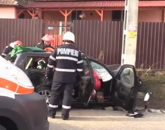 FOTO / Carambol la intrare în localitatea Gherla din Cluj! 9 persoane au fost rănite, după ce trei maşini s-au ciocnit
