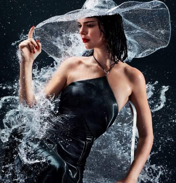FOTO / Incendiar! Kendall Jenner a renunțat la haine și s-a pozat udă leoarcă