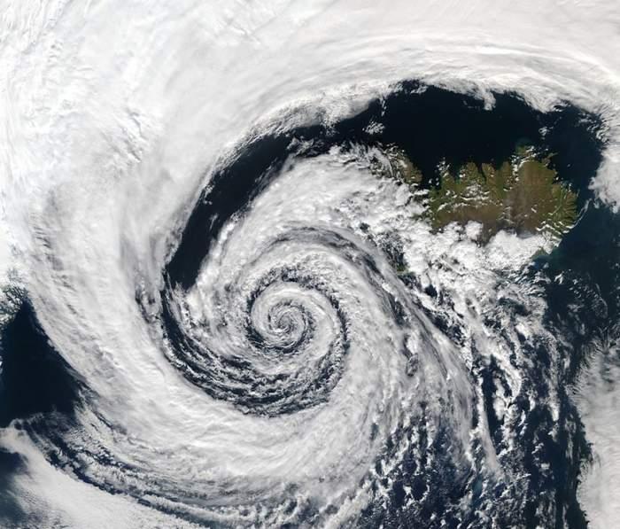 Stare de alertă în aşteptarea ciclonului. Avertizările meteorologilor sunt terifiante