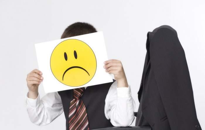 ÎNTREBAREA ZILEI: Cum să părăsesc o slujbă pe care o urăsc?