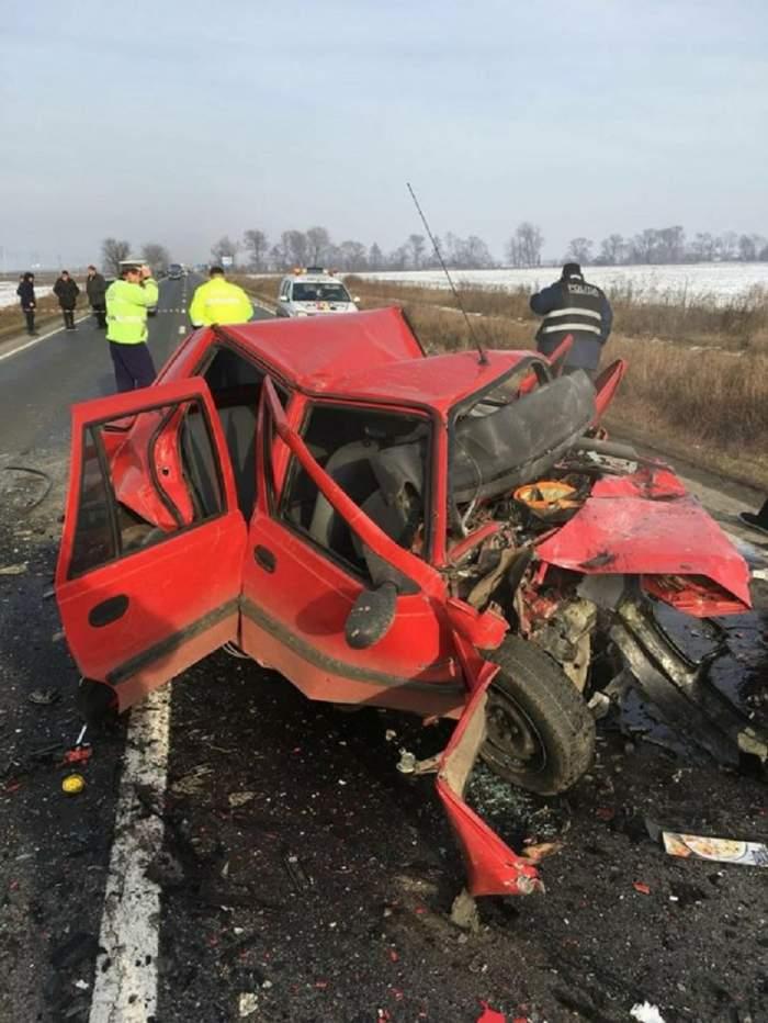 Trei persoane au murit într-un teribil accident pe DN 7. Un băiat de doar 19 ani se află printre victime