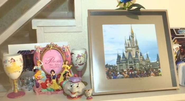 VIDEO / Cântăreaţă celebră, prinţesă în palatul Disney. Povestea fabuloasă a artistei care şi-a făcut o casă demnă de desenele animate