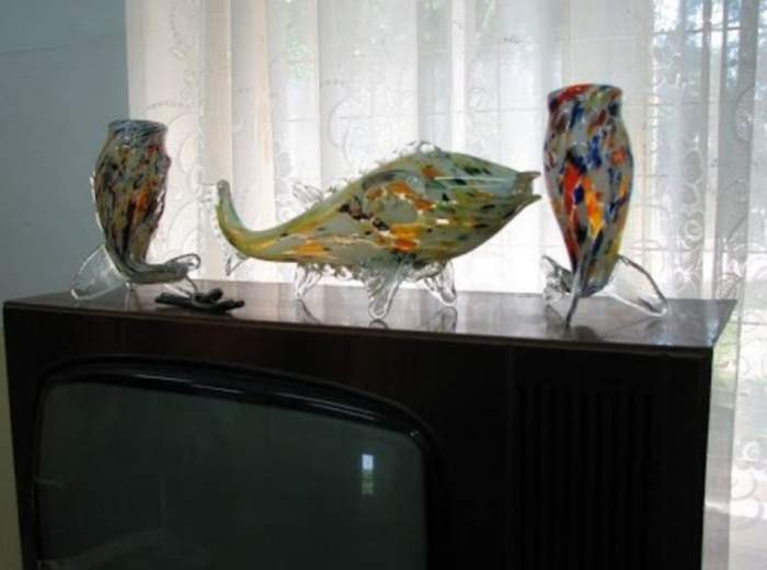 Mai aveţi prin casă celebrul peşte din sticlă? A ajuns să coste o avere
