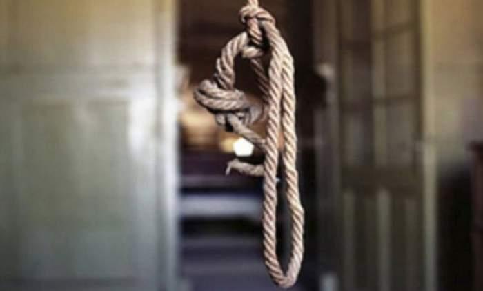 Un tânăr de 17 ani din Iaşi s-a sinucis. Este al treilea copil al familiei care îşi pune capăt zilelor