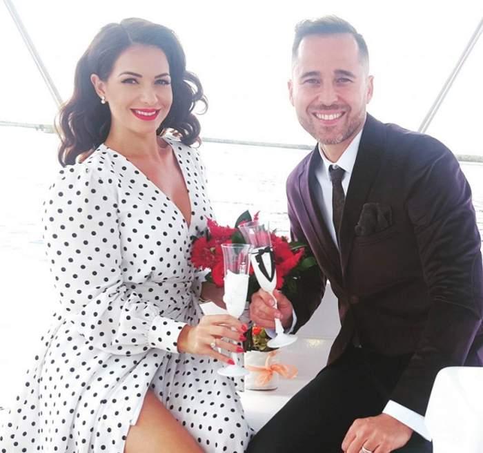 """FOTO / Deea şi Dinu Maxer şi-au sfinţit noile verighete, la 10 ani de la nuntă: """"Am avut parte de o slujbă emoționantă"""""""