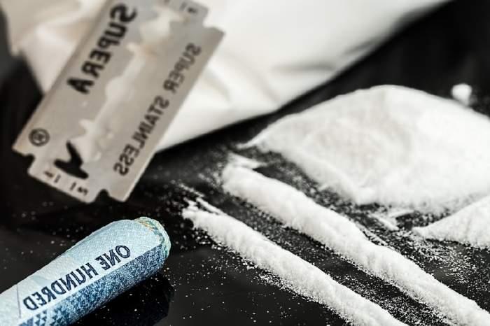 O fetiță de numai patru ani a primit o pungă de droguri, la creșă. Ce s-a întâmplat când a ajuns acasă