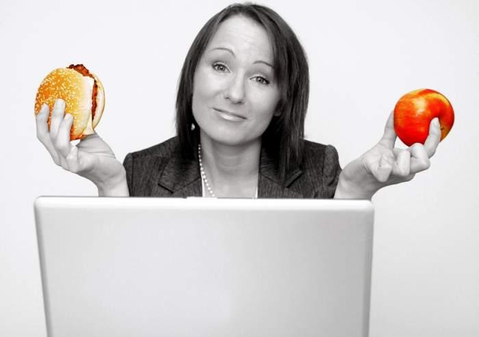 Totul despre postul intermitent. Mănânci cât vrei şi slăbeşti!