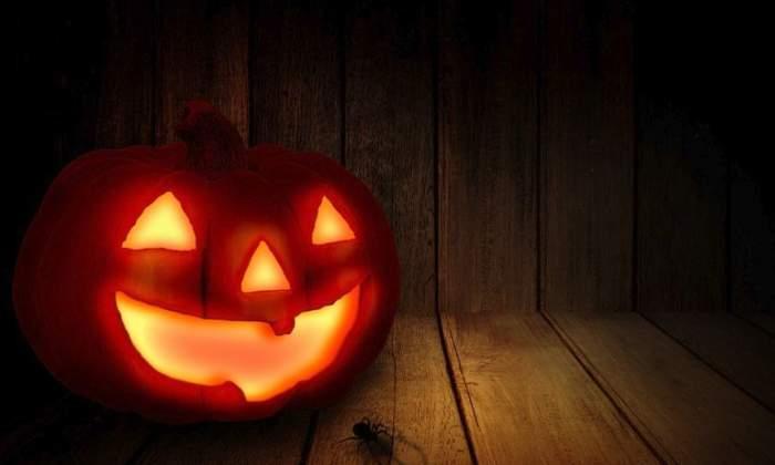 ÎNTREBAREA ZILEI! Tu ştii ce înseamnă dacă în noaptea de Halloween vezi un păianjen în casă?