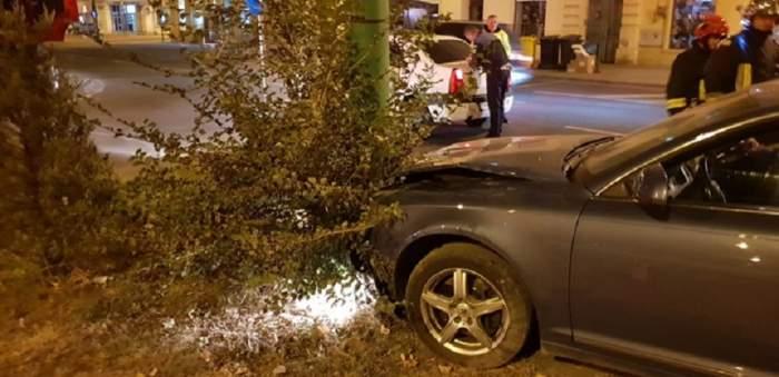 VIDEO / Imagini scandaloase! Mort de beat, fiul lui Miron Cozma a zburat cu mașina direct într-un stâlp