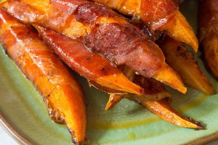 REȚETA ZILEI: Cartofi dulci îmbrăcați în prosciutto, cu crustă de arțar
