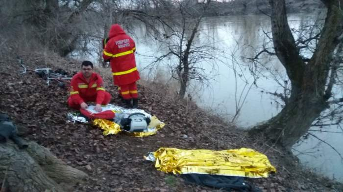 FOTO / Tragedie în Satu Mare. O fetiţă de nouă ani s-a inecat în râu sub privirile altor copii