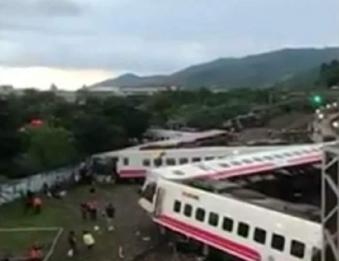 Accident deosebit de grav! Un tren a deraiat, iar zeci de oameni au murit