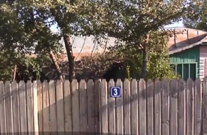 """FOTO / Primele imagini de la """"casa groazei"""" din Brăila, locul unde au fost găsite bucăți din trupul fostului polițist"""