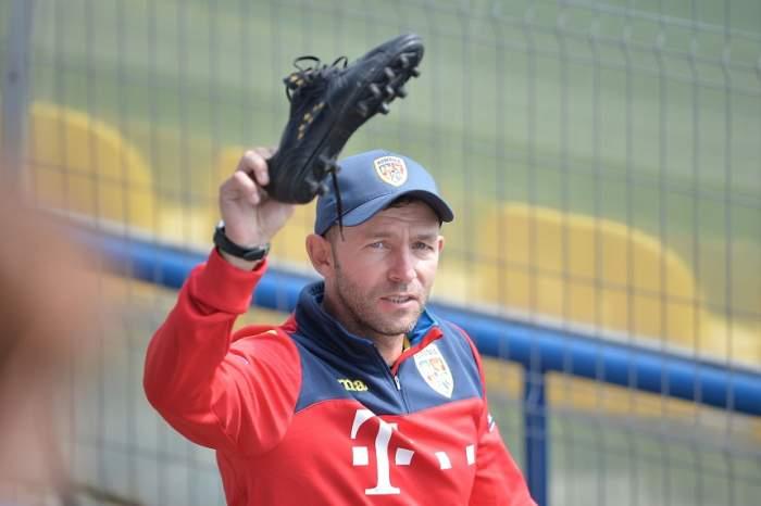 """""""Pisica"""" se întoarce în fotbalul românesc! Bogdan Lobonţ, la un pas de a deveni antrenorul unei echipe de tradiţie"""