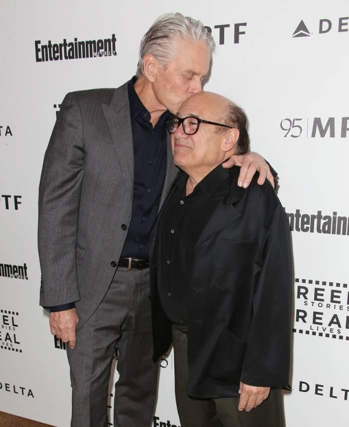 """Michael Douglas şi Danny DeVito s-au împrietenit când au aflat că amândoi iubesc drogurile: """"Am fost șocat"""""""