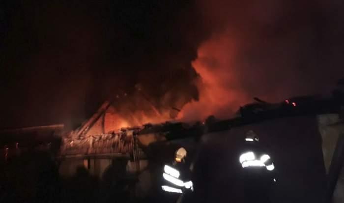 Incendiu puternic în Sibiu! Sunt şase victime, printre care şi trei copii