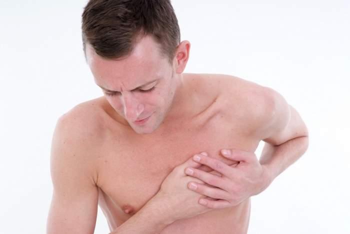 Junghi intercostal sau durere de inimă? Află când este cazul să mergi de urgenţă la spital