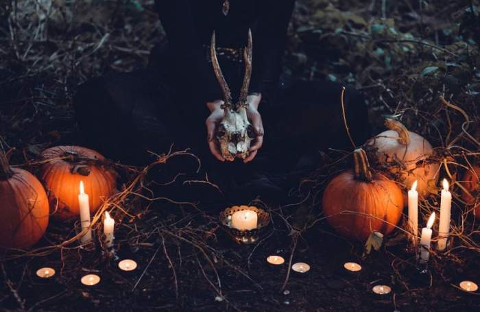 ÎNTREBAREA ZILEI! Ştiai că nu este bine să faci aşa ceva în noaptea de Halloween?