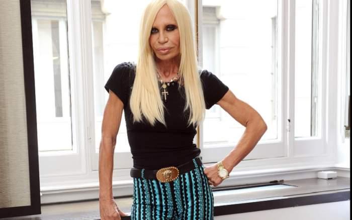 FOTO / A investit o avere în operațiile estetice, dar arată cum nu se poate mai rău! În ce hal a ajuns Donatella Versace