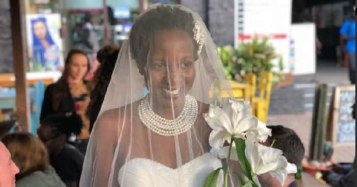 S-a căsătorit cu ea însăşi! Femeia se săturase de presiunile familiei