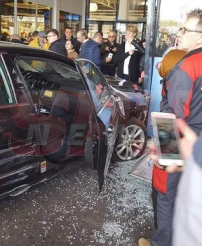 VIDEO / Atac grav în Brăila! Un bărbat a înjunghiat o persoană, apoi a intrat cu mașina într-un grup de oameni
