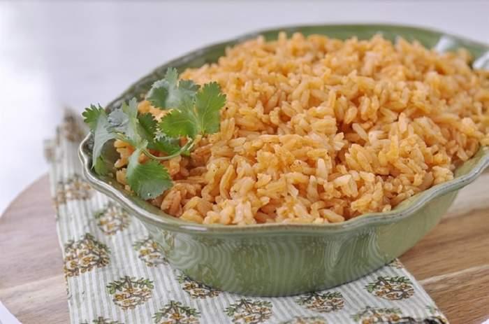 REȚETA ZILEI: Orez mexican, o garnitură ca la restaurant!