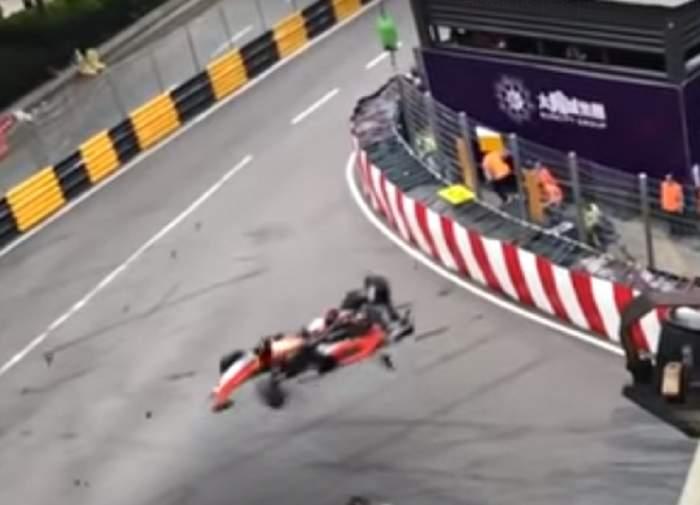 VIDEO / O șoferiță în vârstă de 17 ani a zburat peste pistă cu 270 km / oră