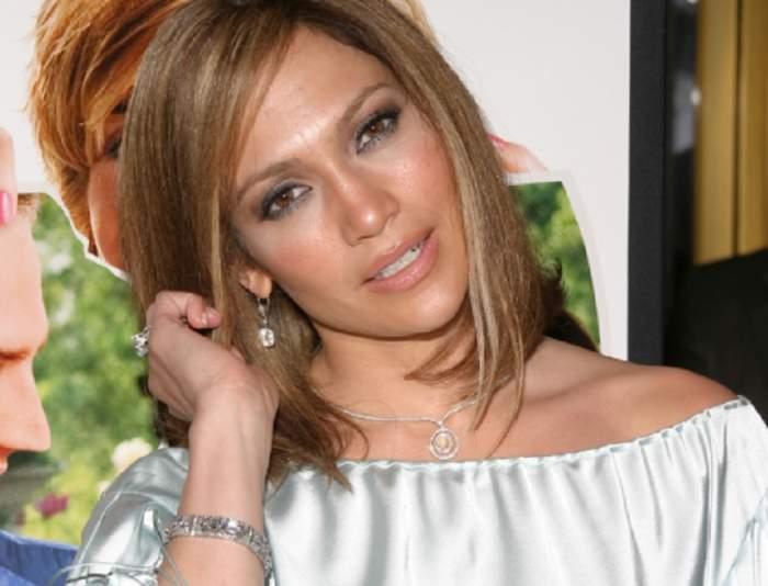FOTO / Jennifer Lopez, apariție scandaloasă pe străzile din Miami. A lăsat la vedere un detaliu intim