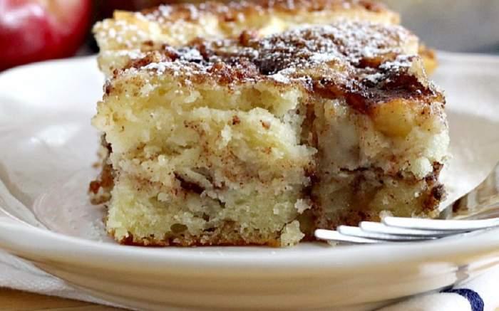 REȚETA ZILEI: Prăjitură cu mere și scorțișoară, ideală de savurat lângă cafea