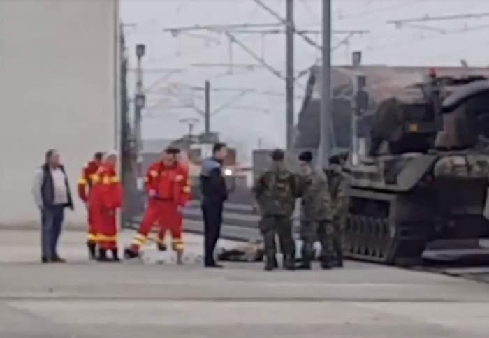 UPDATE: VIDEO / Tragedie înainte de parada de 1 Decembrie de la Alba Iulia! Un soldat a murit după ce s-a urcat pe un tanc