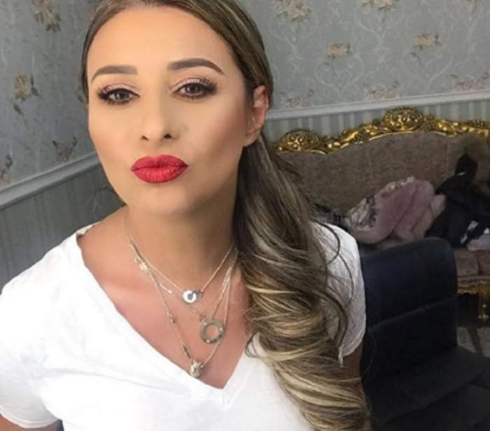 """FOTO / Anamaria Prodan a încins plajele din Dubai cu posteriorul ei tunat: """"Așa sunt eu, perfectă"""""""