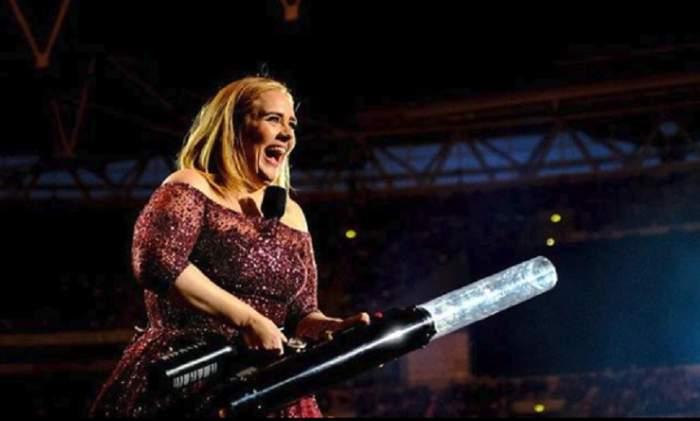 FOTO / Adele, din nou însărcinată? Imaginea care le-a dat de gândit fanilor