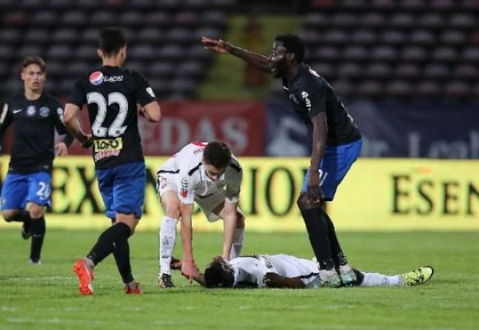 """Un nou caz """"Ekeng""""! Un fotbalist a murit pe teren, în timpul meciului"""