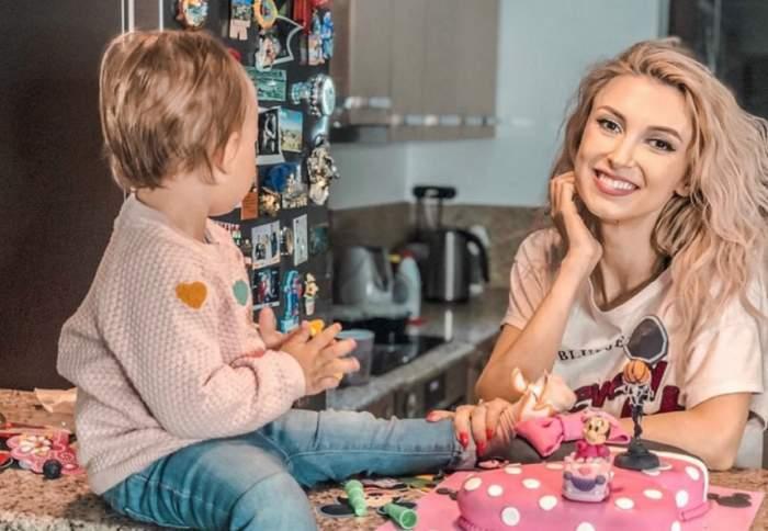 """VIDEO / Andreea Bălan, discuţie serioasă cu fetiţa ei: """"Vrei să mai vină un bebe?"""""""