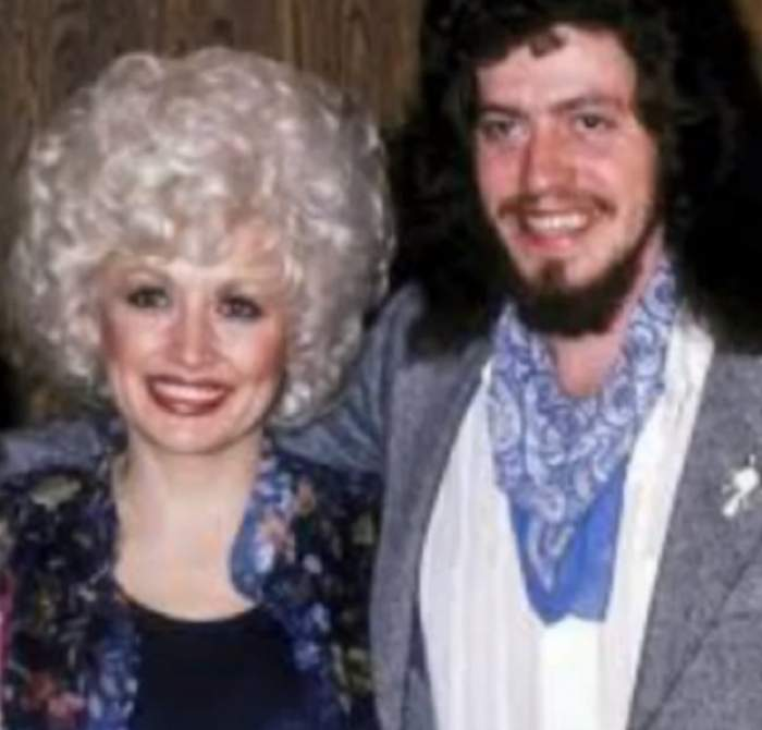 Dolly Parton, în doliu! Fratele ei a murit din cauza unei boli misterioase