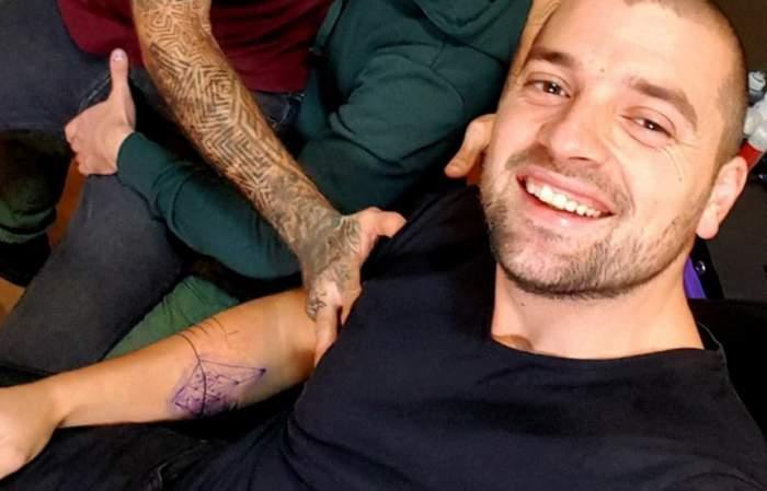 """FOTO / Bogdan de la """"Insula Iubirii"""" s-a tatuat! Cum s-a afişat fostul concurent, după terminarea emisiunii"""