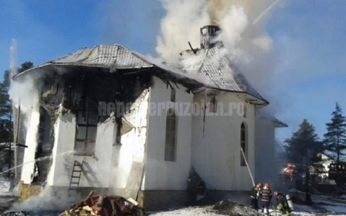 Arde biserica! Incendiu puternic într-o comună din Vrancea